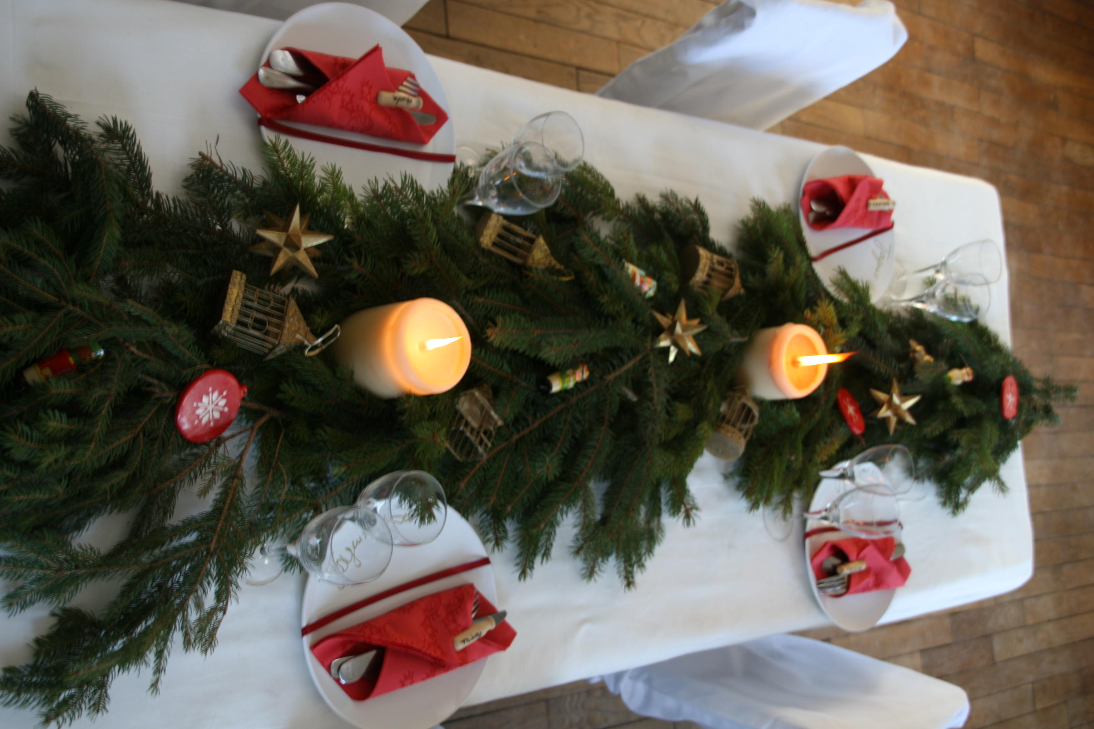 Decoration de noel chemin de table - Faire un chemin de table ...