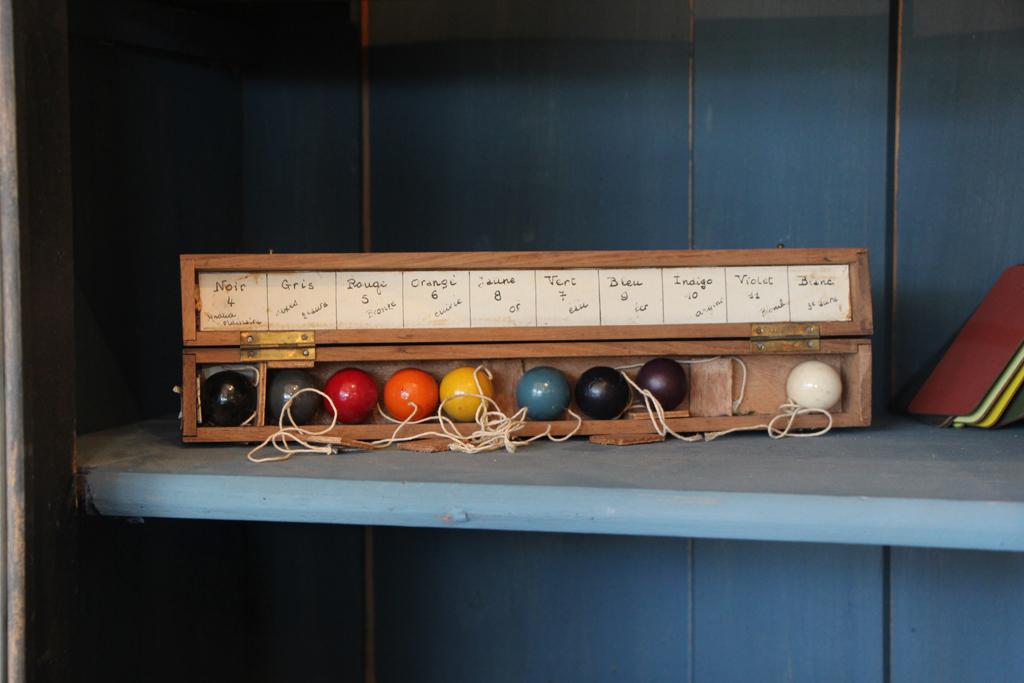 Objet d'arts divinatoires - Stand d'Alicia de Rolland à la Foire de Chatou (Stéphanie CAUMONT)