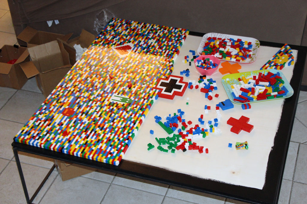 table basse en legos pour un s jour. Black Bedroom Furniture Sets. Home Design Ideas