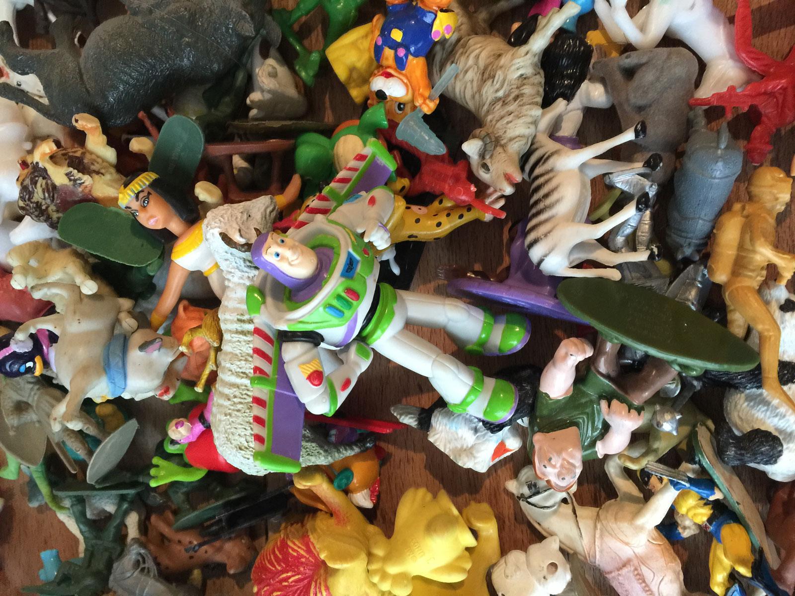Diy-dkomag-couronne-jouets-2