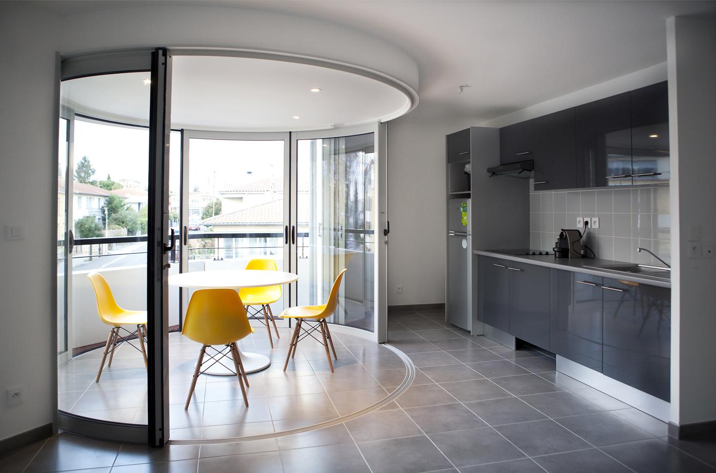 lumicene parois vitr es entre terrasse v randa et bow. Black Bedroom Furniture Sets. Home Design Ideas