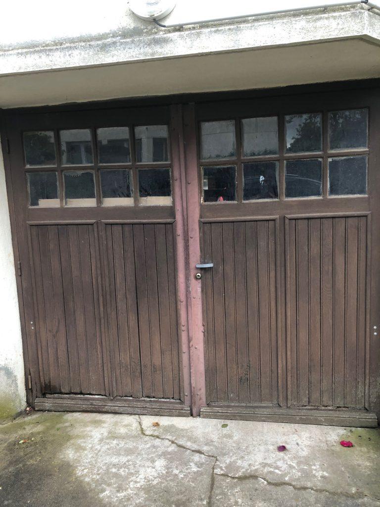 porte de garage avant en bois